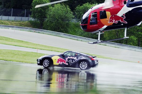 Red Bull – Helicopter VS. Car